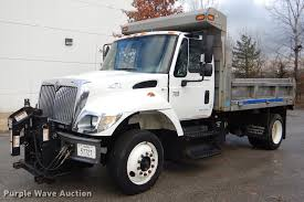 2003 International 7400 Dump Truck | Item DE0031 | Tuesday J...