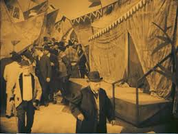 the cabinet of dr caligari miss a scene