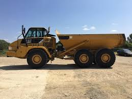 100 Articulated Trucks CATERPILLAR 725 For Sale Rent Auction New