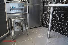 cuisine gris et noir cuisine avec carrelage gris pour idees de deco de cuisine best of