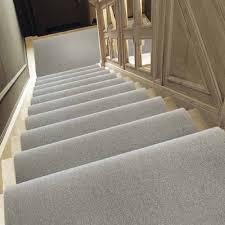 tapis d escalier contemporains