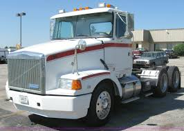 100 Gmc Semi Trucks 1994 White Aero WCA Semi Truck Item 5120 SOLD Septe