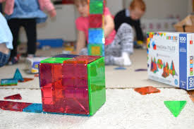 Picasso Magnetic Tiles Vs Magna Tiles by Magnatiles V U0027s Playmags What U0027s The Difference And Which One To