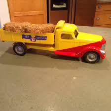 Antique Restored Buddy L Farm Truck. | Vintage Play Things ... Farm Toys For Fun A Dealer Amazoncom Tomy Big Peterbilt Semi Vehicle With Lowboy Trailer Diorama 164 Scale Diecast Cars Trucks Pinterest 1 64 Custom Farm Trucks 5000 Pclick Whosale Toy Truck Now Available At Central Items 40 Long Haul Trucker Newray Ca Inc Ertl Dump By Tomy Ardiafm Vtg Marx Farm Truck Tin Litho Plastic Battery Operated Boxed Ebay Downapr04 Buddy L Intertional Dump Truck Ride Em For Sale Sold Antique 116th Big 367 Grain Box