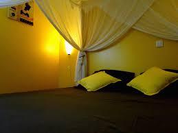 la chambre jaune gite le mystère de la chambre jaune