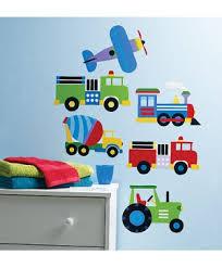 stickers voiture pour chambre garcon stickers chambre enfants pour animer la chambre de vos filles ou