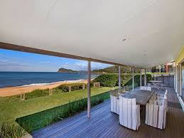 100 Absolute Beach Front Front Holiday House Pearl Holidays