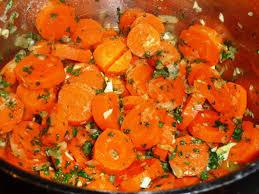 cuisiner les carottes carottes persillées à l ail et oignon les recettes de virginie