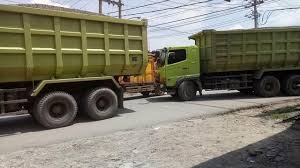Dump Truck Hino Overload Macet Antri Sampai Panjang - YouTube Garbage Trucks Youtube Truck Song For Kids Videos Children Lihat Apa Yang Terjadi Ketika Dump Truck Jomplgan Besar Ini Car Toys For Green Sand And Dump Play Set New 2019 Volvo Vhd Tri Axle Sale Youtube With Mighty Ford F750 Tonka Fire Teaching Patterns Learning Gta V Huge Hvy Industrial 5 Big Crane Vs Super Police Street Vehicles 20 Tons Of Stone Delivered By Tippie The Stories Pinkfong Story Time Backhoe Loading Kobunlife