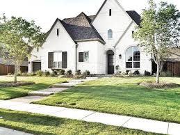 Brick House Styles Pictures by Best 25 White Brick Houses Ideas On Brick Cottage