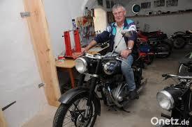 ein ganzes wohnzimmer voller motorrad träume onetz