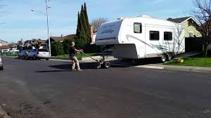Power Trailer Dolly Moving 5th Wheel Camper Video - YouTube