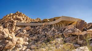 104 Mojave Desert Homes Rising From The Luxury Living Near California S Joshua Tree Mansion Global