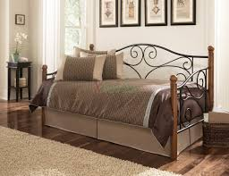 Leggett And Platt Metal Headboards by Leggett U0026 Platt Doral Daybed W Walnut Rubber Wood Posts Xiorex