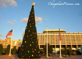 When Does Disneyland Remove Christmas Decorations by Fun Facts About Disney World Christmas Decorations Disney U0027s