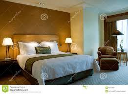 fauteuille chambre bâti et fauteuil dans une chambre à coucher cinq étoiles de suite