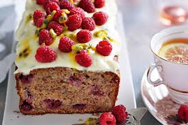 banana raspberry cake with passionfruit icing 1