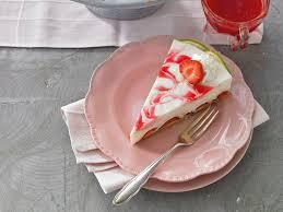 Hochzeitstorte Mit Erdbeeren Und Limetten Erdbeer Limetten Kuchen Ohne Backen