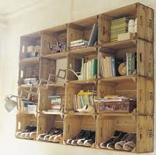 Wood Crate Shelf Diy by Best 25 Crate Shelving Ideas On Pinterest Wood Crate Shelves