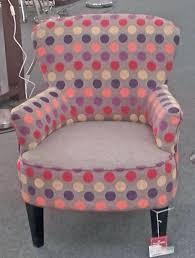 fauteuil fushia fauteuil de forme maria100 recouvert dun