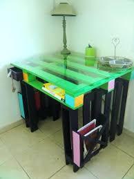 fabriquer un bureau avec des palettes fabriquer un bureau avec des palettes bureau en bois 34 idaces diy