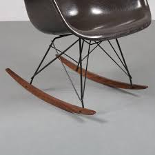 1904-1 (419) 1960s Eames RAR Rocking Chair By Charles & Ray ... Black 2014 Herman Miller Eames Rar Rocking Arm Chairs In Very Good Cdition White Rocking Chair Charles Ray Eames And For Vintage Brown By C Frank Landau For Sale Rope Edge Chair 1950s Midcentury Modern Rar A Pair 1948 Retro Obsessions