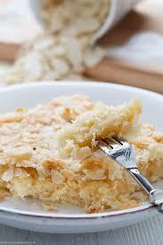 schneller becher blechkuchen mit knuspermandeln