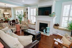 75 landhausstil wohnzimmer mit blauer wandfarbe ideen
