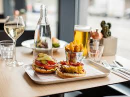 cuisine centre novotel edinburgh centre relaxing hotel in edinburgh
