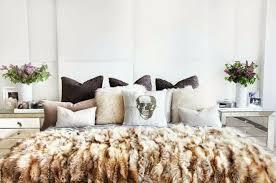 plaids fausse fourrure pour canapé le meilleur plaid en fourrure en 40 photos inspirantes