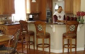 Should Bar Stools Match Dining Room Chairs