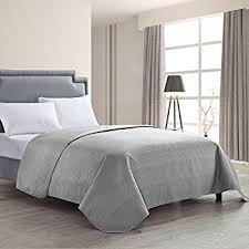 amazon com lavish home solid color bed quilt full queen