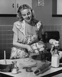 Vintage Housewives 32 Lovely Photos Show Young Women Working Housework In The 1940s 50s