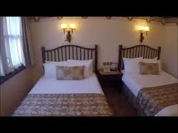 chambre standard sequoia lodge disneyland hôtels disney s sequoia lodge chambre standard