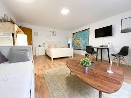 modern room mit netflix in porta westfalica gästezimmer
