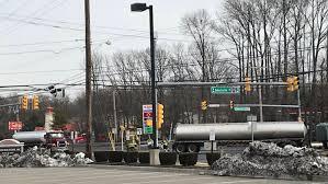 100 Tanker Truck Crash Marlboro Tanker Crash 6 Things That Make These Trucks Deadly On The