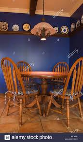 antike stühle stockfotos und bilder kaufen alamy