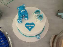 tauf torte mit baby schuhen kuchen verzieren motivtorten