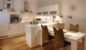 küche mit integriertem esstisch best of kleine küche mit