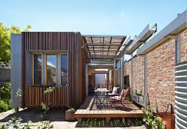 Convertible Courtyards House / Christopher Megowan Design   ArchDaily Modern Weatherboard Homes Victorian Terrace House Townhouse Psh Contemporary Beach Plans Design 2 Story Cottage With A Modern Twist Stylish Livable Spaces Beautiful Old Style Photos Interior Ideas Simple Bedroom Room 415 Best Exterior Home Design Images On Pinterest Architecture House Plan Miners Cottage Zone Designs Home Plunkett Be Inspired By The Hamptons Boutique 246 Exterior Design Brittany Small Houses Interior Designs Small Clapboard Weatherboard