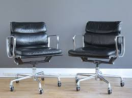 Dwr Eames Soft Pad Management Chair by 56 Best Chairs Images On Pinterest Chairs Armchairs And Product