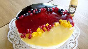 eierlikör käsesahne torte in schwarz rot gold mit verpoorten