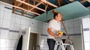 mit rigipsplatten die decke im bad umbauen erneuern teil 2