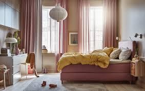 schlafzimmer bett dekorieren im hotel look ikea deutschland