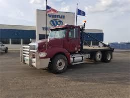 100 Westlie Truck Center 2004 FREIGHTLINER COLUMBIA 120 For Sale In MINOT North Dakota