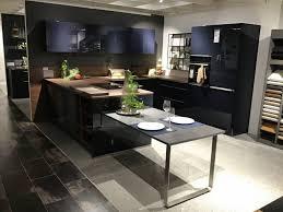 möbel u küche mit halbinsel nolte inkl e geräte zeilenbreite ca 301x380x300cm tiefblau xxxlutz