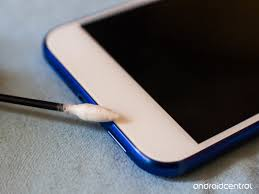 How to clean and disinfect your Android smartphone