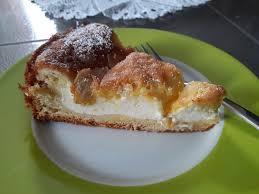 hefe quarkkuchen mit mandelblättchen