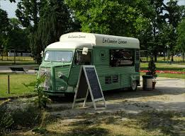camion cuisine photo of en camion vintage food truck in page 272