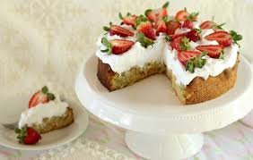 himmlische erdbeer rhabarber torte mit sahnehaube rezept und